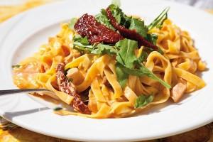 Salata od tjestenine i rukole