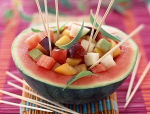 Voćna salata u lubenici