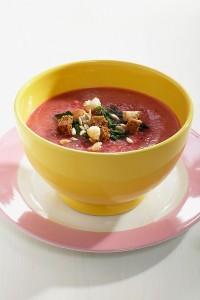 Goveđa juha s ciklom i krumpirom