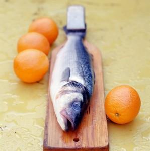 Brancin sa pestom, koromačem i narančom